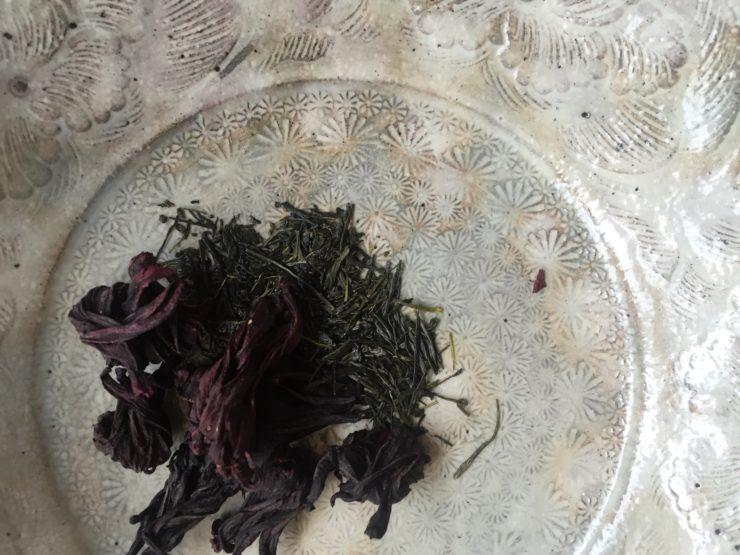 ハイビスカスと上級煎茶